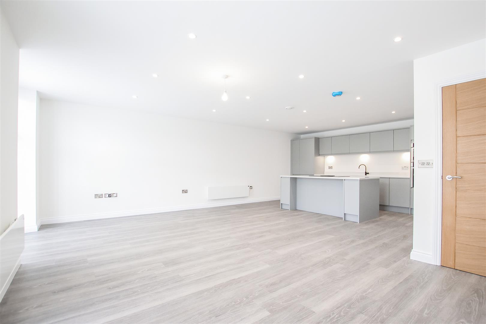 2 Bedroom Apartment For Sale - Image 40